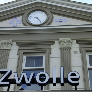 1280px-Zwolle_station_1